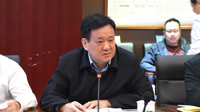 株洲市财政局局长李能斌发言剪影